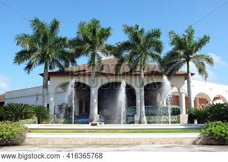 PUNTA CANA, DOMINICAN REPUBLIC - DEC 21, 2016:Fountain and main lobby entrance to the Dreams Punta Cana all inclusive resort in the Dominican Republic.