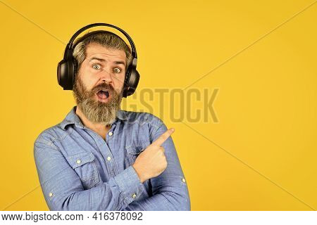 Popular Music Playlist. Music Beat. Noise Cancelling Function. Dj Hipster. Man Bearded Hipster Headp