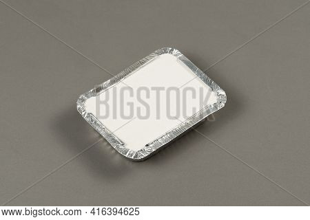 Aluminum Containers For Taking Hot Food Prepared For Delivery. Stay At Home