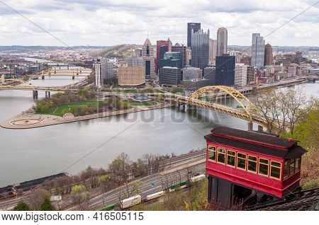 Pittsburgh, Pennsylvania, Usa April 11, 2021 A Cable Car From The Duquesne Incline With Downtown Pit