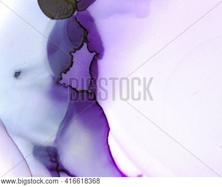 Ethereal Water Pattern. Alcohol Ink Wave Wallpaper. Purple Abstract Drop Canvas. Sophisticated Color