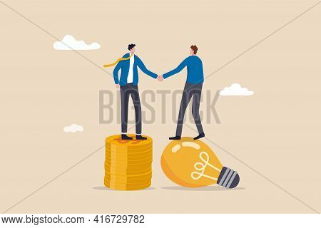 Idea Pitching, Fund Raising And Venture Capital, Selling Business Or Merger Agreement Concept, Entre