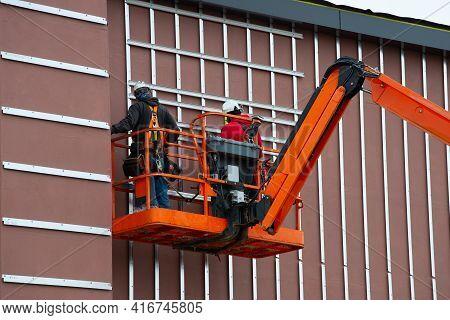 Telescopic Platform Hydraulic Outdoor Crane Lift Worker Man