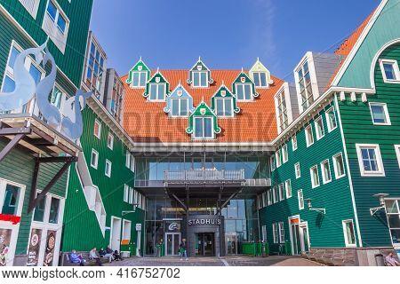 Zaandam, Netherlands - March 31, 2021: Entrance To The Modern Town Hall Building Of Zaandam, Netherl