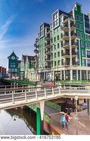 Zaandam, Netherlands - March 31, 2021: Bridges And Modern Buildings In The New City Center Of Zaanda