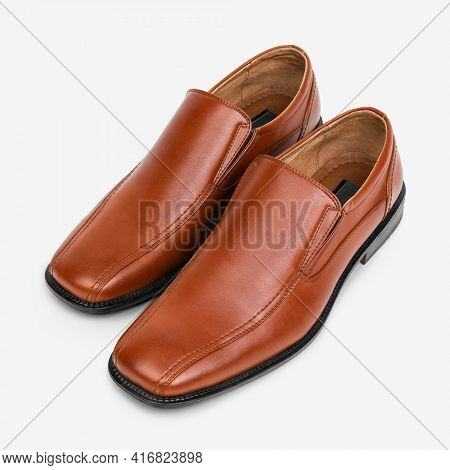 Brown leather slip-on men' shoes fashion