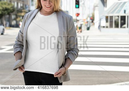 Size inclusive t-shirt women's business wear with design space