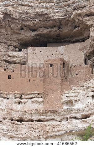 Montezuma Castle , Vertical