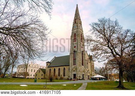 Goshen, Ny - Usa - Dec. 26, 2020: A Landscape View Of The Historic First Presbyterian Church In Gosh