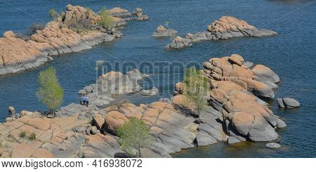 Lake Watson Has Picturesque, Exposed Granite Bedrock With Bright Blue Water. Located In Prescott, Ya