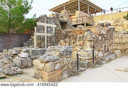 Heraklion, Knossos, Crete, Greece - October 20, 2018:  The Palace Of Knossos On Crete In Greece Near