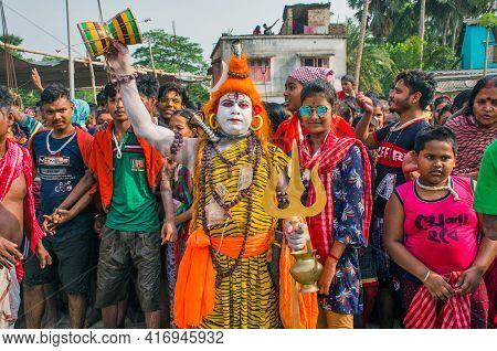 South 24 Pargana Bengal India On April 12th 2021:gajan Is A Rural Festival Of Bengal. It Is Held At