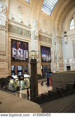 Milano (mi), Italy - October 04, 2017: Milano Centrale Railway Station Inside, Stazione Milano Centr
