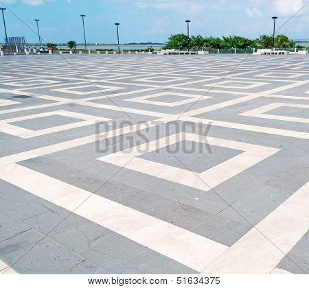 Geometrical Floor