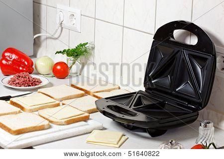 Sandwich Maker.