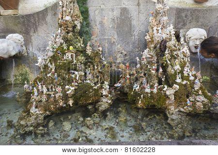 Amalfi Creche And Fountain
