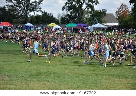 Minnesota High School Boys Begin The Roy Griak Invitational Cross Country Race