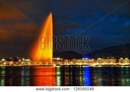 Geneva Water Fountain (Jet d'Eau) at night