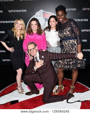 LOS ANGELES - APR 12:  Kate McKinnon, Melissa McCarthy, Kristen Wiig, Leslie Jones, Paul Feig arrives to the Cinema Con 2016: Sony Pictures Presentation April 12, 2016 in Las Vegas, NV.