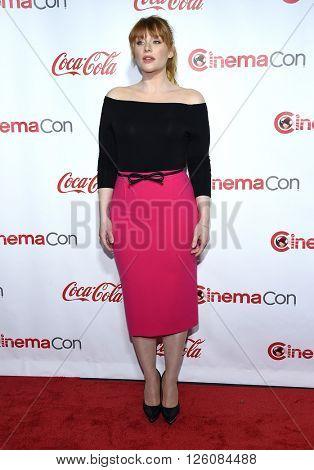 LOS ANGELES - APR 14:  Bryce Dallas Howard arrives to the Cinema Con 2016: Awards Gala  on April 14, 2016 in Las Vegas, NV.