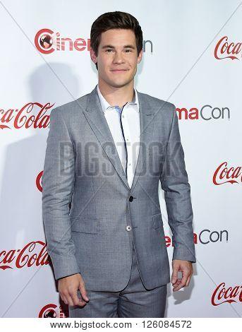 LOS ANGELES - APR 14:  Adam DeVine arrives to the Cinema Con 2016: Awards Gala  on April 14, 2016 in Las Vegas, NV.
