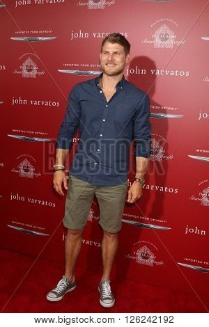 LAS VEGAS - APR 17:  Travis Van Winkle at the John Varvatos 13th Annual Stuart House Benefit at the John Varvatos Store on April 17, 2016 in West Hollywood, CA