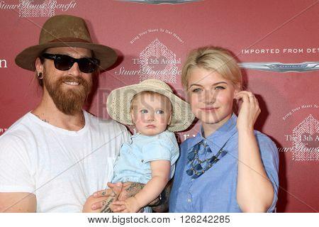 LAS VEGAS - APR 17:  Sarah Jones, family at the John Varvatos 13th Annual Stuart House Benefit at the John Varvatos Store on April 17, 2016 in West Hollywood, CA