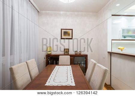 Small And Practical Dining Room In Morern Apartment Interior