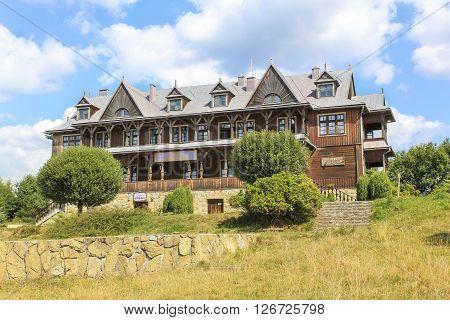 KLUSZKOWCE, POLAND - SEPTEMBER 5: Villa of Leopold Szperling in the tourist settlement Czorsztyn on September 5, 2013 in Kluszkowce.