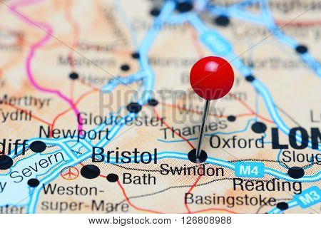 Swindon pinned on a map of UK