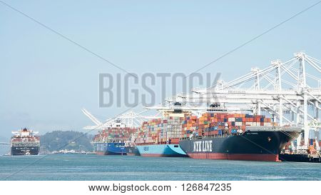 Cargo Ship Hanjin Jungil Departing The Port Of Oakland.