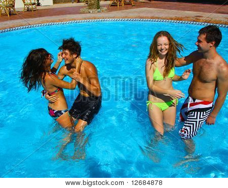 2 Honeymoon couples have a pool party!