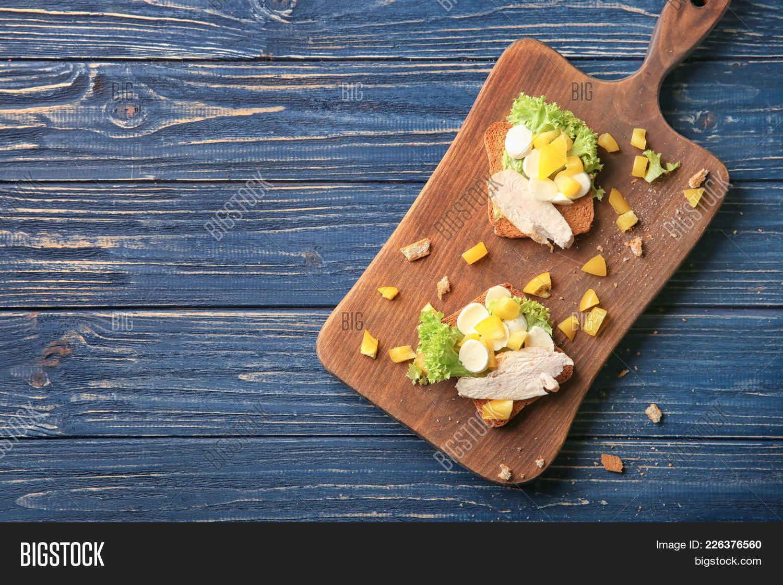 Sandwich tasty wooden board PowerPoint Template - Sandwich tasty ...