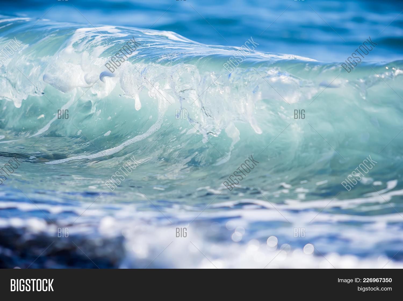 landscape blue wave in ocean powerpoint template landscape blue