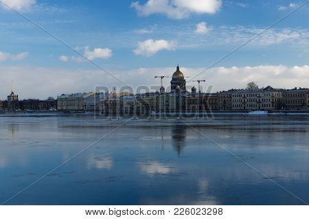 Ice Flow On The Neva River And Isaac Cathedral In St.petersburg, Russia