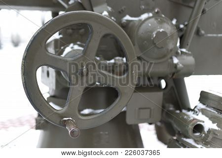 The Mechanism Of The Anti-aircraft Guns For Any Purpose