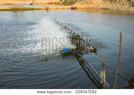 Aerator Turbines On Shrimp Ponds, To Fill Oxygen Into Water