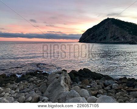 Sunset En La Playa De Finestrat. Alicante. España