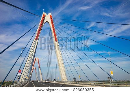 Nhat Tan Bridge Or Vietnam - Japan Friendship Bridge,the Cable-stayed Bridge Crossing The Red River