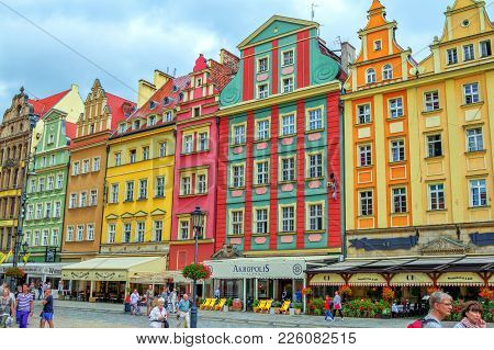 Wroclaw/poland- August 19, 2017: Cityscape Of Old Town Market Square With Colorful Ornate Historical