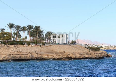 View On Egyptian Hotel From The Red Sea.
