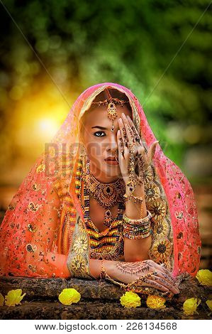 Close Up Beautiful Indian Girl Young Hindu Woman Model With Kundan Jewelry, Portrait Of Beautiful In