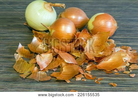 Brown Onion Husks. Coloring For An Eggs For Easter.