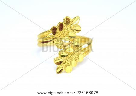 Gold Pendant Cameo Fancy Ring Jewelry In Leaf Shape Isolated On White