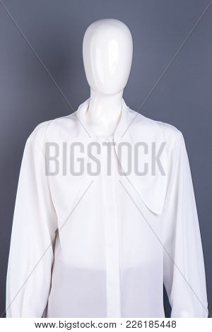Long Sleeve White Shirt For Ladies. Brand Chiffon Women Blouse On Mannequin. Feminine High Quality A