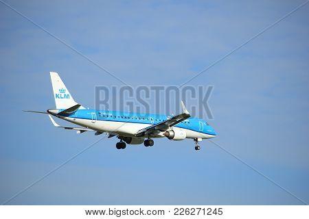 Amsterdam, The Netherlands - July 15th 2016: Ph-eza Klm Cityhopper Embraer Erj-190std Approaching Po
