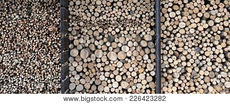 Clefs prepared firewood stack