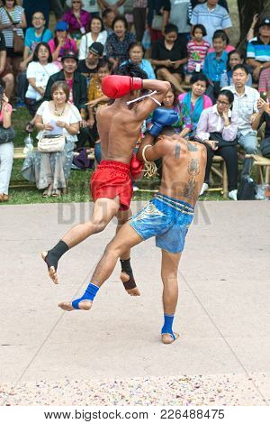 Bangkok,thailand-january 21,2018 : Unidentified Fighter Of Martial Art Of Muay Thai ( Thai Boxing )
