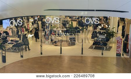 Citylife Is A New Modern Shopping Centre In Milan Inaugurated In Dec 2017 - Ovs Retail Giant