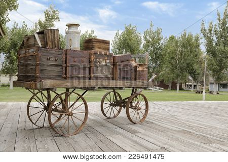 Laws, California, Usa: August 30 2017 - Old Railroad Cart On The Platform At The Old West Town Of La